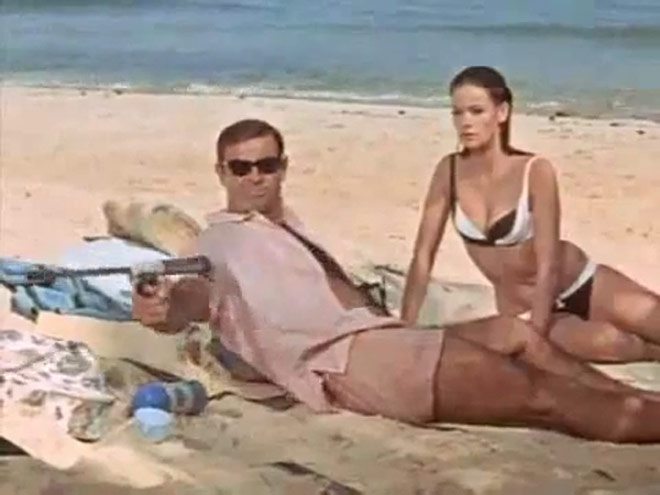 A Kiss from Tokyo - Thunderball theatrical trailer